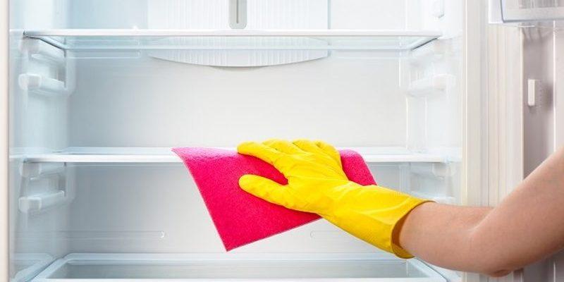 Чист хладилник