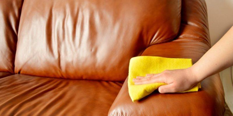 Петна по кожения диван