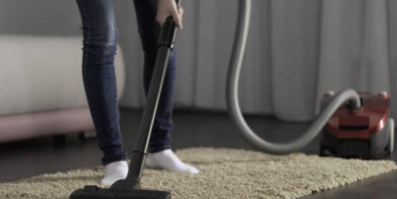 Почистване на килими и мокети